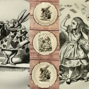 Alice in wonderland Urban Outfitters Plate set 3